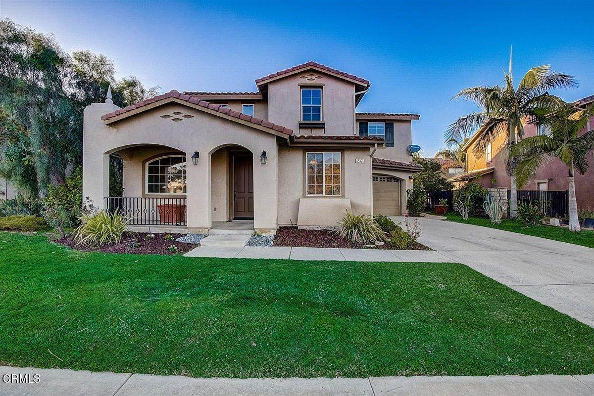 4. Single Family Homes for Sale at 237 Trellis Place Camarillo, California 93012 United States