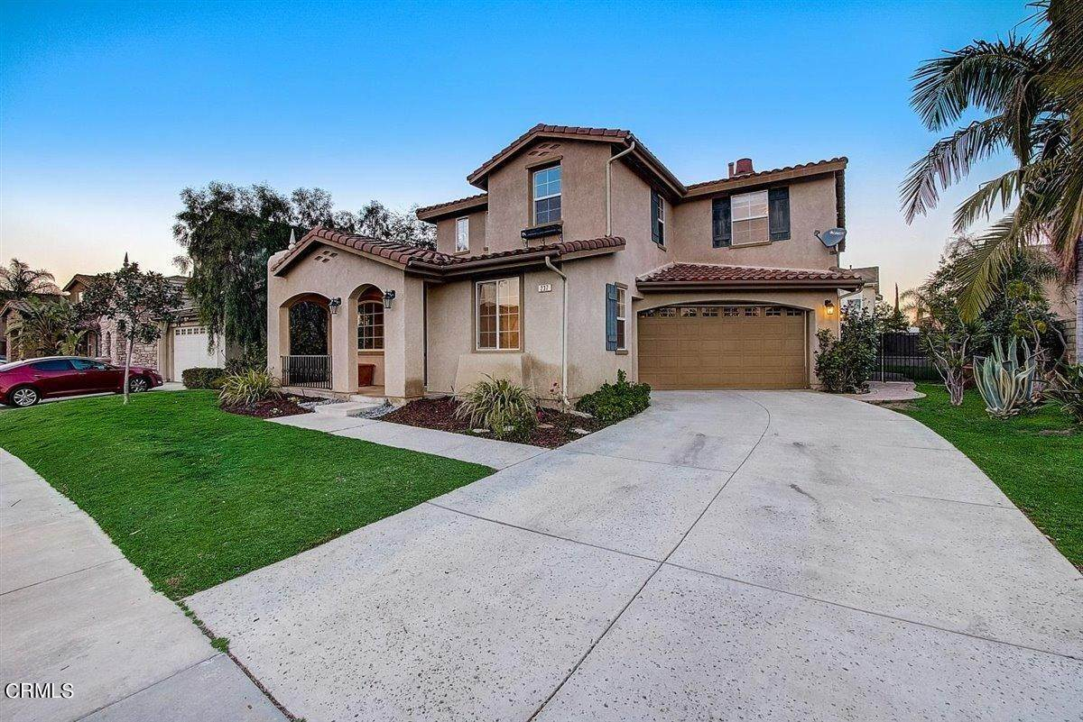 5. Single Family Homes for Sale at 237 Trellis Place Camarillo, California 93012 United States