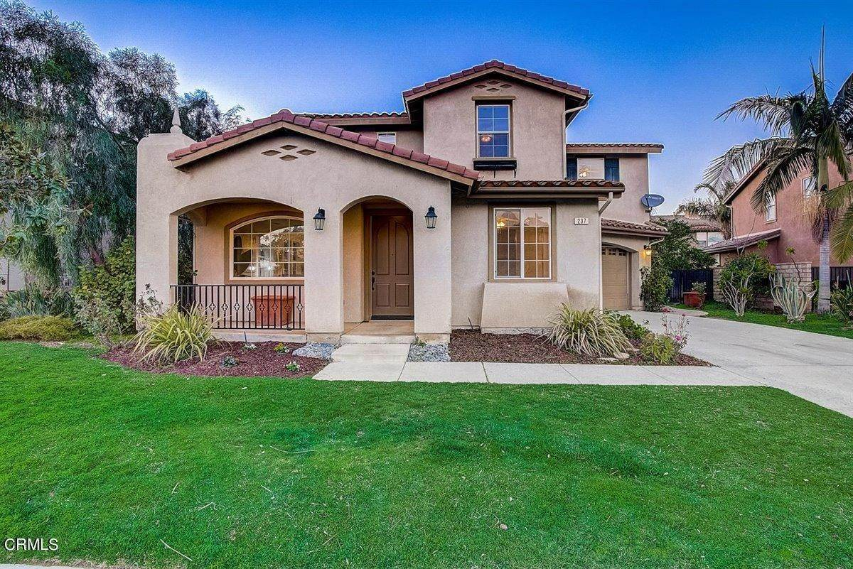 6. Single Family Homes for Sale at 237 Trellis Place Camarillo, California 93012 United States