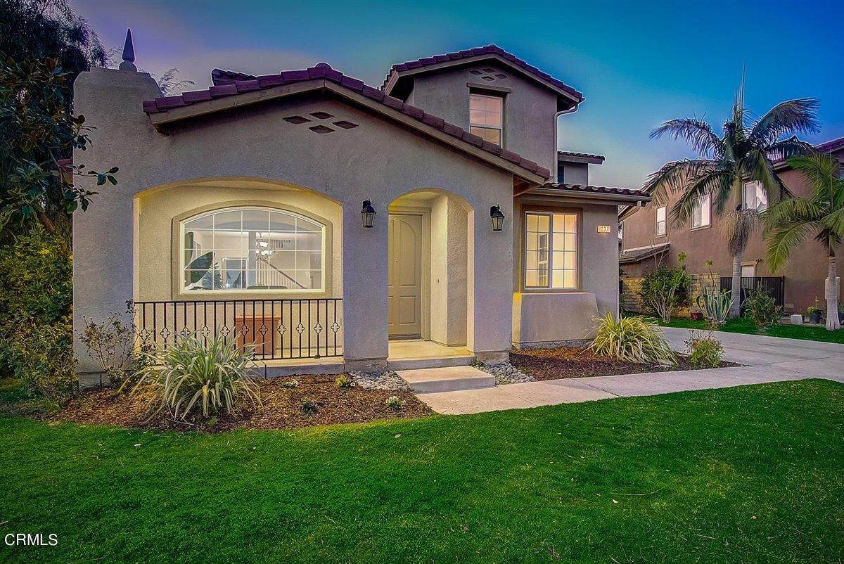 11. Single Family Homes for Sale at 237 Trellis Place Camarillo, California 93012 United States