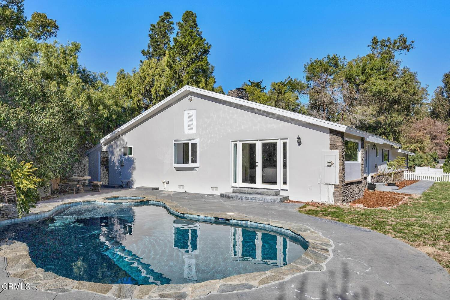 2. Single Family Homes for Sale at 39 - 41 Ramona Place Camarillo, California 93010 United States