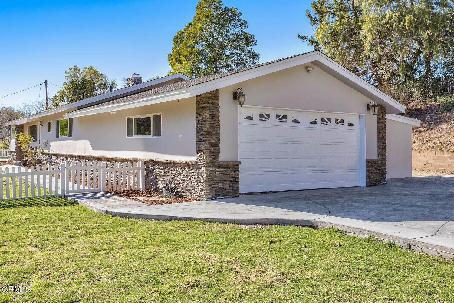 3. Single Family Homes for Sale at 39 - 41 Ramona Place Camarillo, California 93010 United States