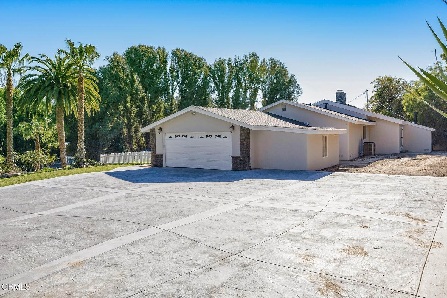 4. Single Family Homes for Sale at 39 - 41 Ramona Place Camarillo, California 93010 United States