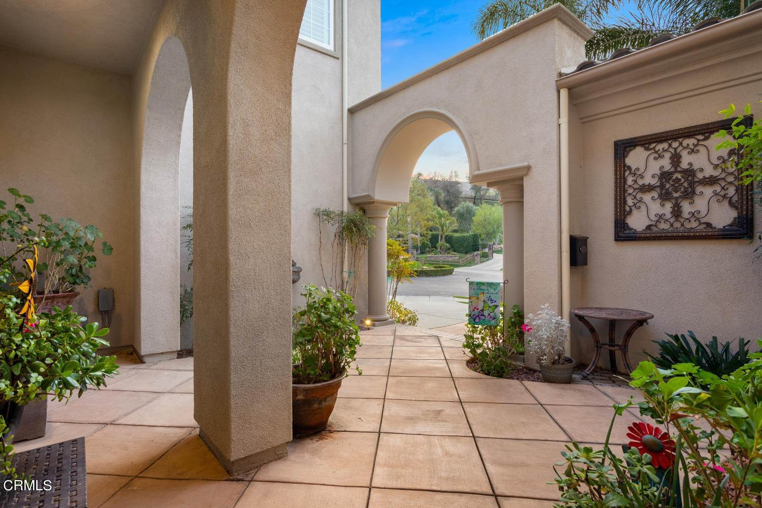 19. Single Family Homes for Sale at 374 Loire Valley Drive Simi Valley, California 93065 United States