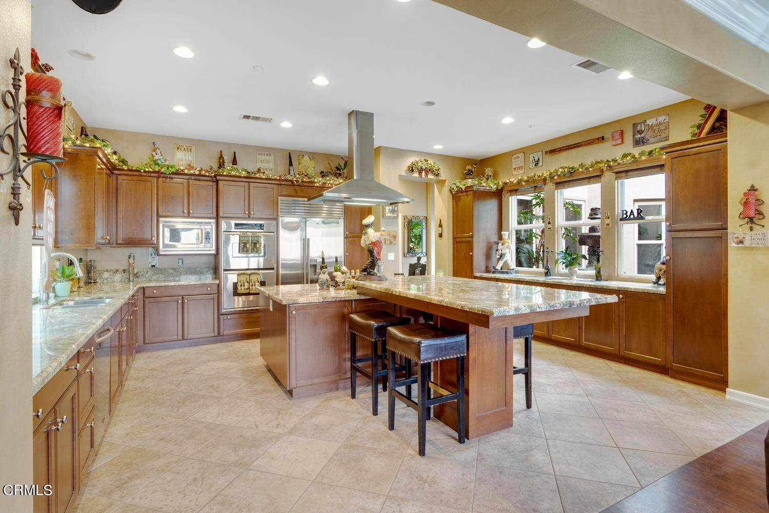 31. Single Family Homes for Sale at 374 Loire Valley Drive Simi Valley, California 93065 United States
