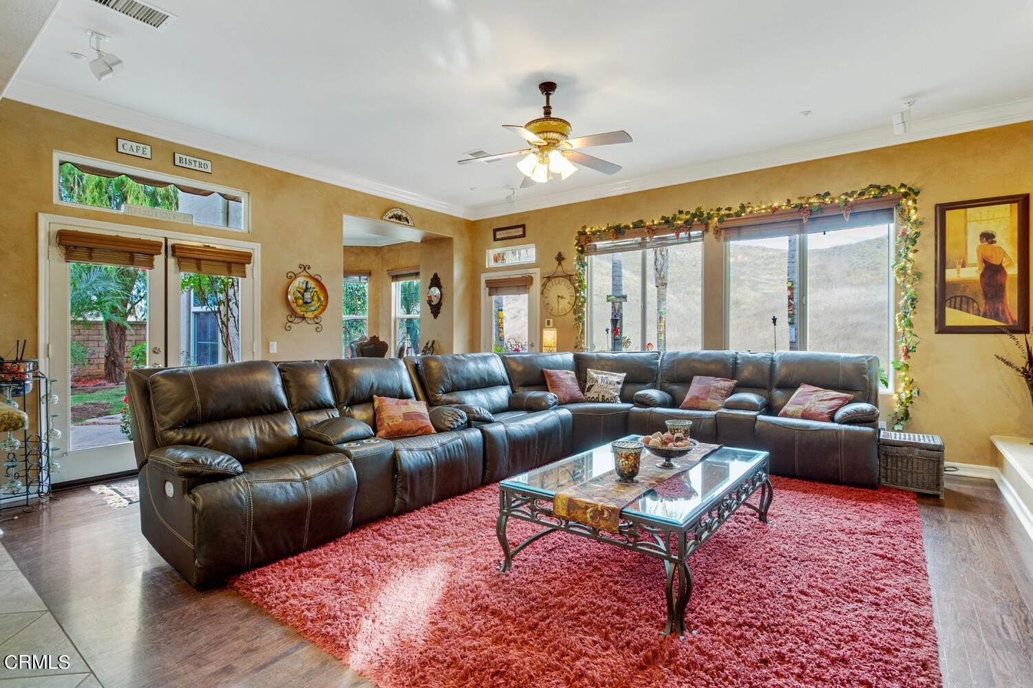 34. Single Family Homes for Sale at 374 Loire Valley Drive Simi Valley, California 93065 United States