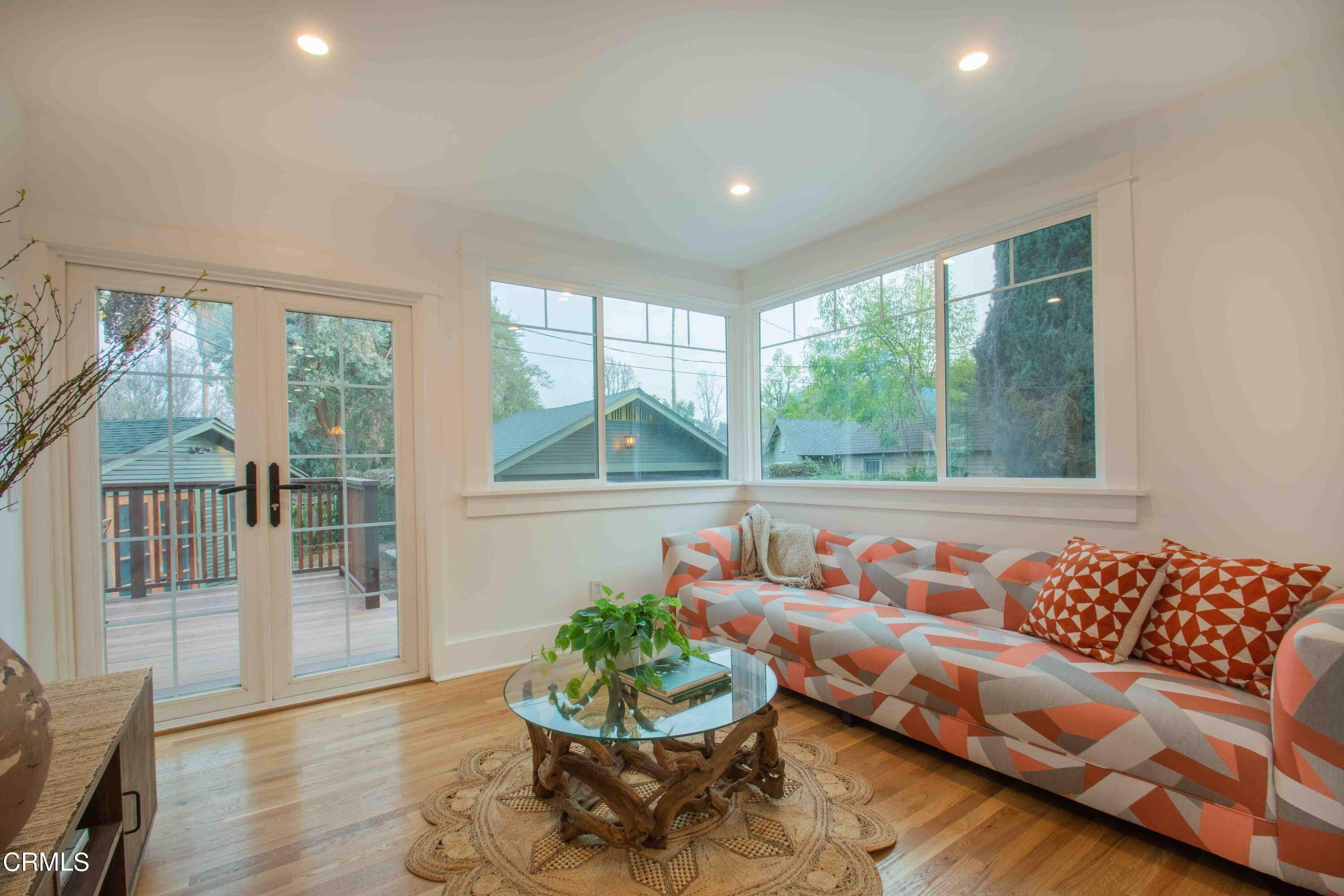 23. Single Family Homes for Sale at 1211 Oak Street South Pasadena, California 91030 United States