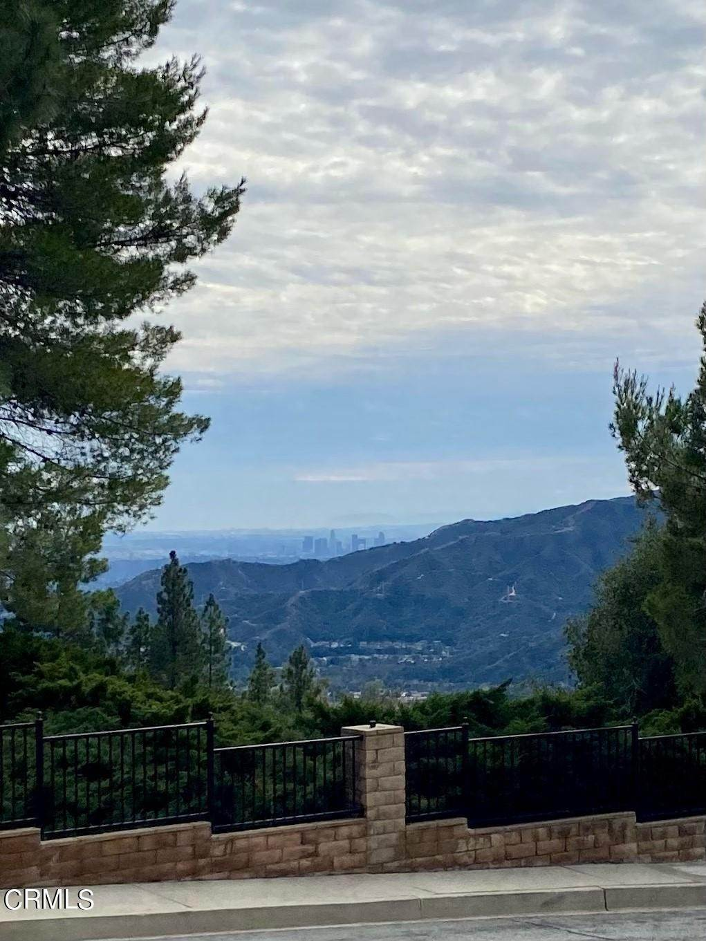 Single Family Homes por un Venta en 2817 Pinelawn Drive La Crescenta, California 91214 Estados Unidos