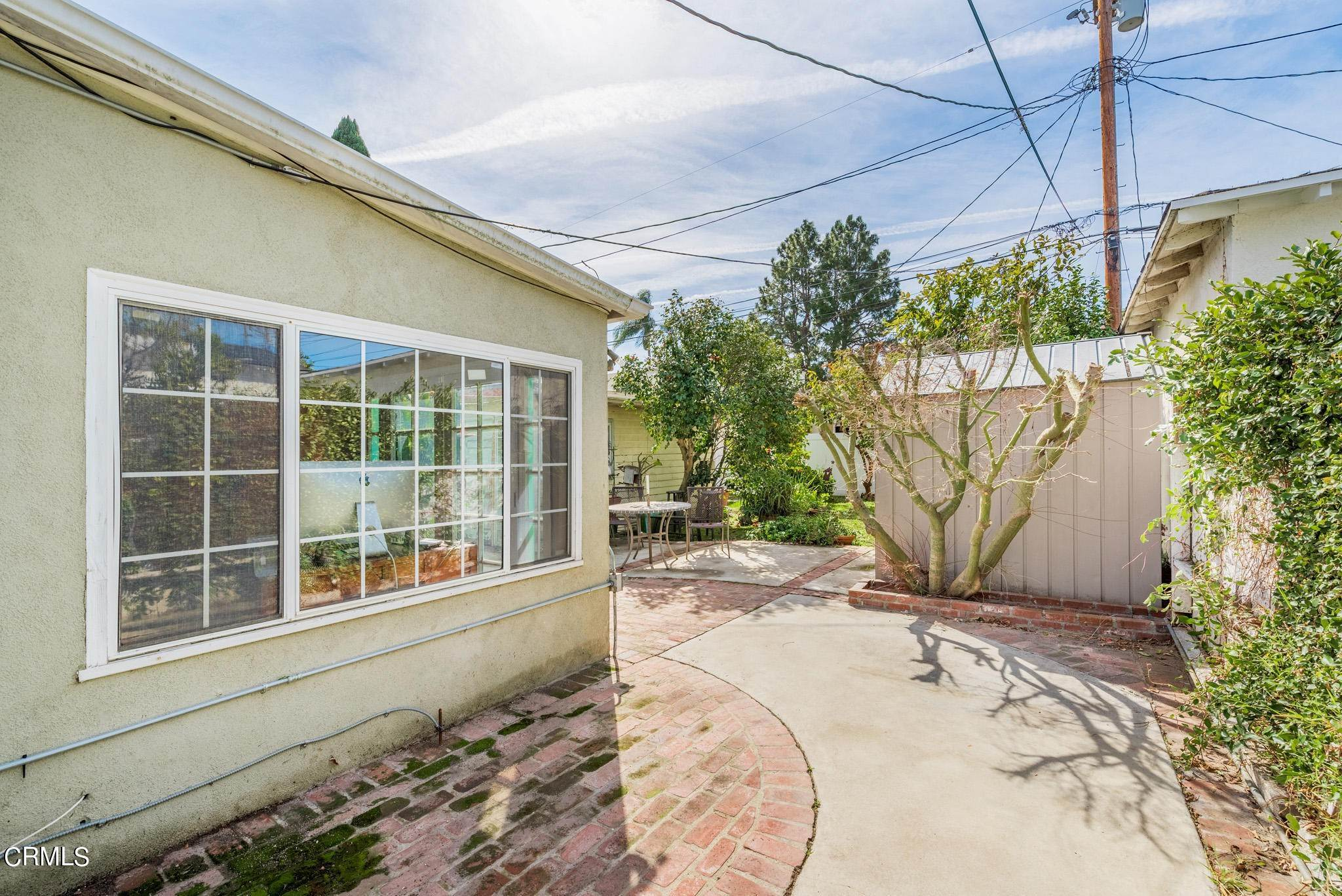 27. Single Family Homes for Sale at 2515 South Westgate Avenue Los Angeles, California 90064 United States
