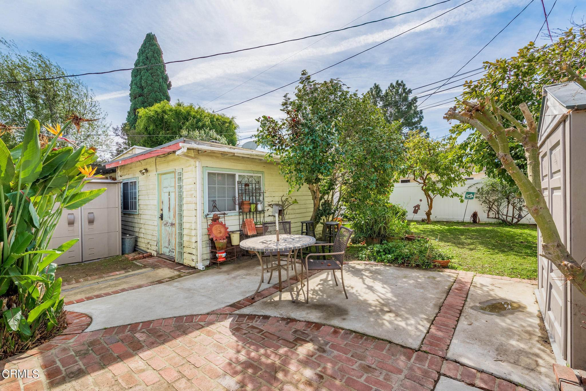 28. Single Family Homes for Sale at 2515 South Westgate Avenue Los Angeles, California 90064 United States