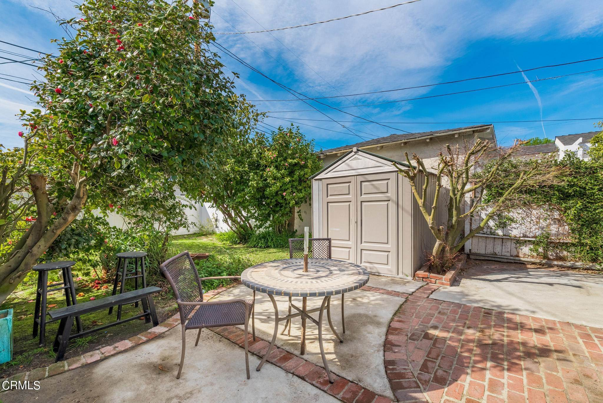 29. Single Family Homes for Sale at 2515 South Westgate Avenue Los Angeles, California 90064 United States