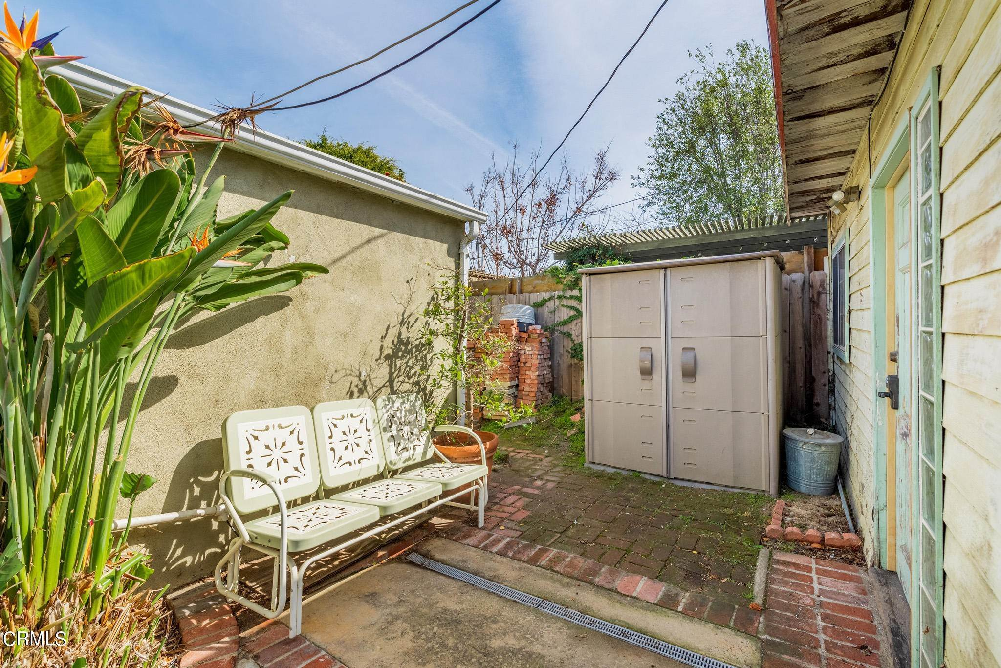 31. Single Family Homes for Sale at 2515 South Westgate Avenue Los Angeles, California 90064 United States