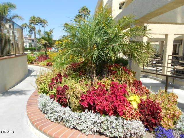 37. townhouses for Sale at 2223 Vina Del Mar Oxnard, California 93035 United States