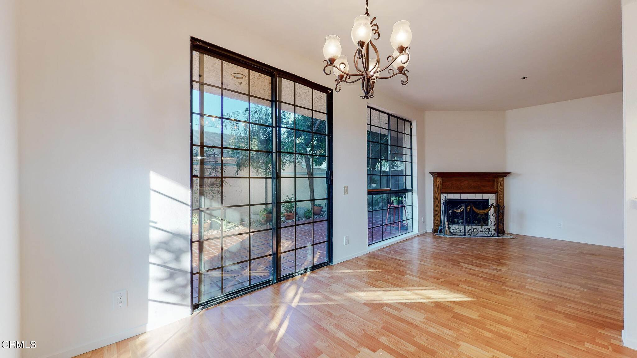 10. Condominiums for Sale at 235 South Holliston Avenue #113 235 South Holliston Avenue Pasadena, California 91106 United States
