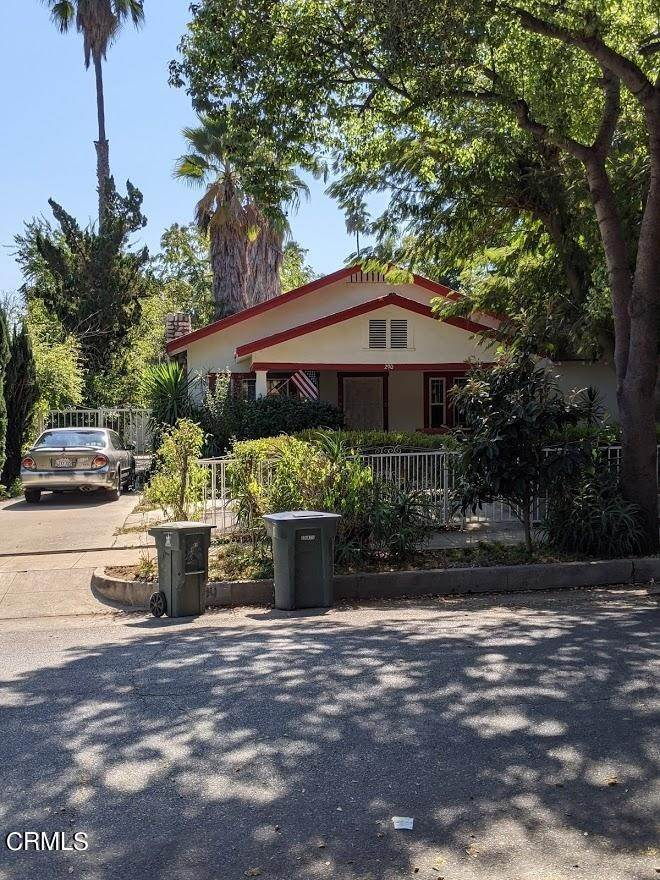 3. Single Family Homes for Sale at 290 East Penn Street Pasadena, California 91104 United States