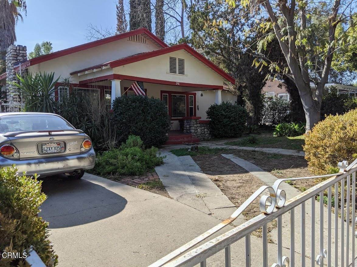 6. Single Family Homes for Sale at 290 East Penn Street Pasadena, California 91104 United States