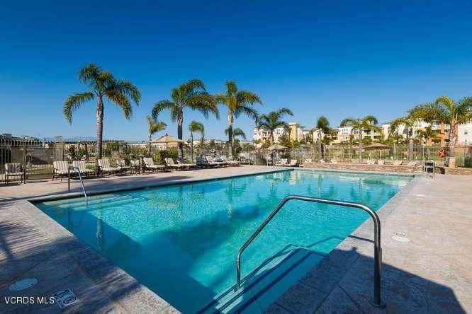 40. Condominiums for Sale at 1901 South Victoria Avenue #201 1901 South Victoria Avenue Oxnard, California 93035 United States