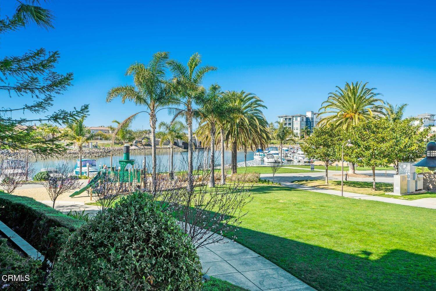 29. Condominiums for Sale at 1405 Windshore Way Oxnard, California 93035 United States