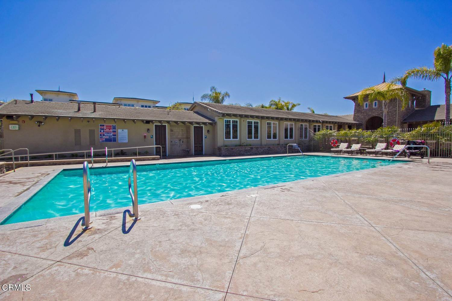 31. Condominiums for Sale at 1405 Windshore Way Oxnard, California 93035 United States
