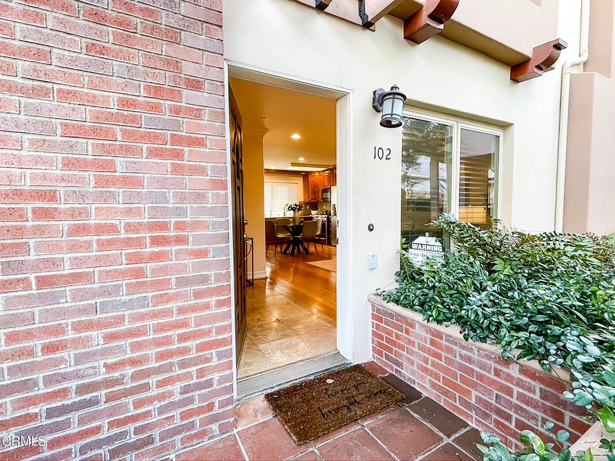 3. townhouses for Sale at 272 North Chester Avenue #102 272 North Chester Avenue Pasadena, California 91106 United States