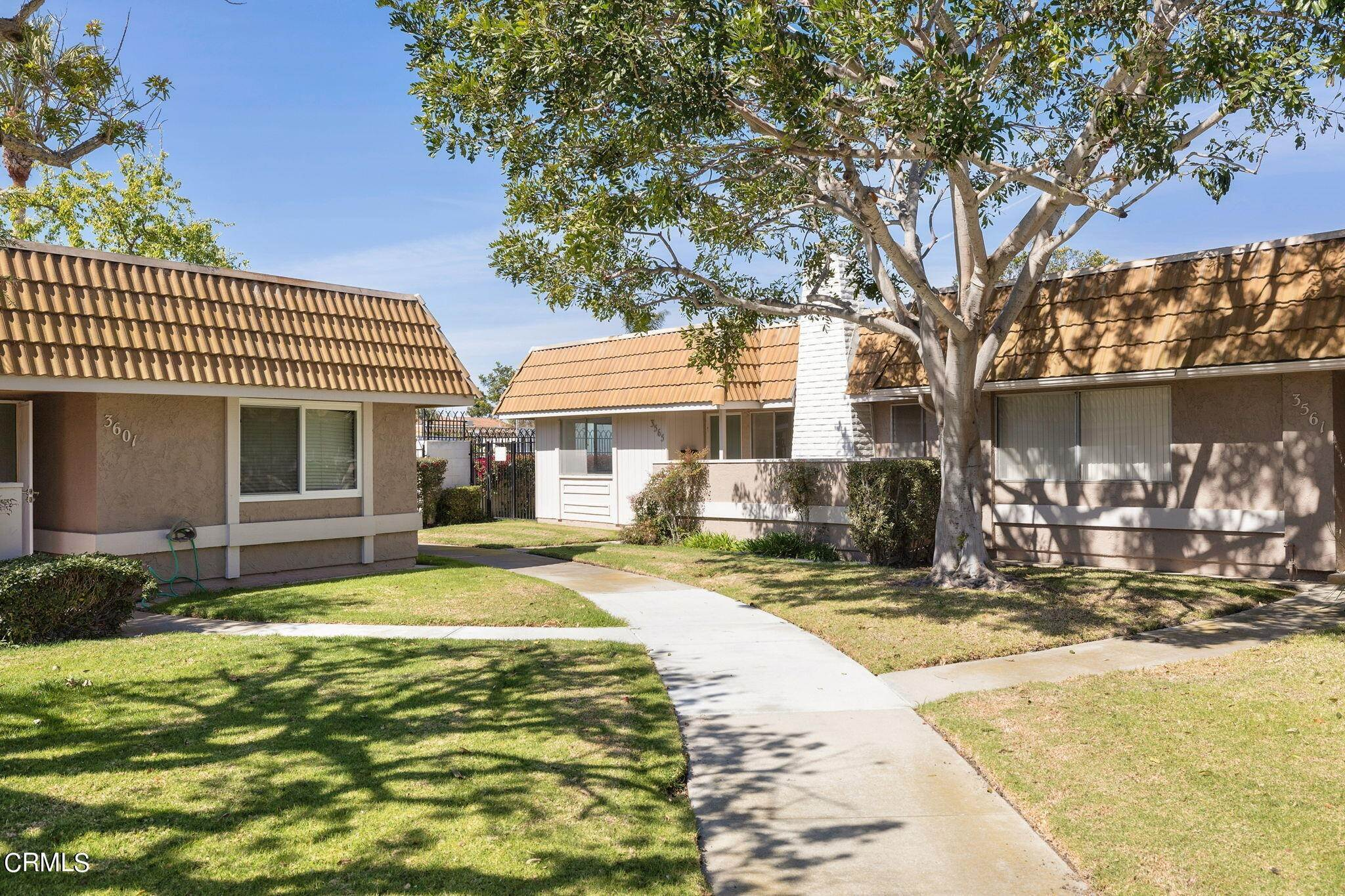25. townhouses for Sale at 3565 Isle Way Oxnard, California 93035 United States