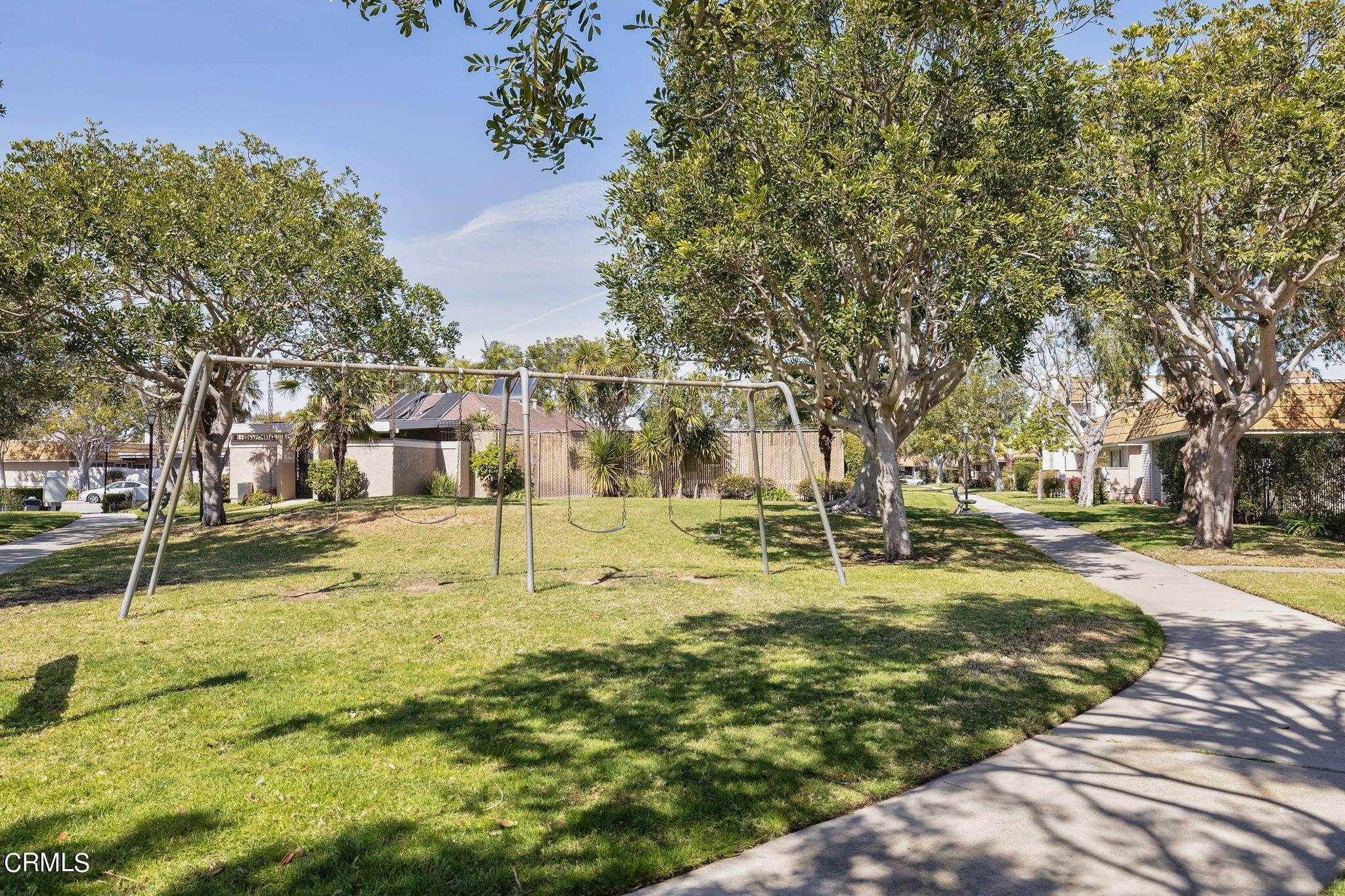 27. townhouses for Sale at 3565 Isle Way Oxnard, California 93035 United States