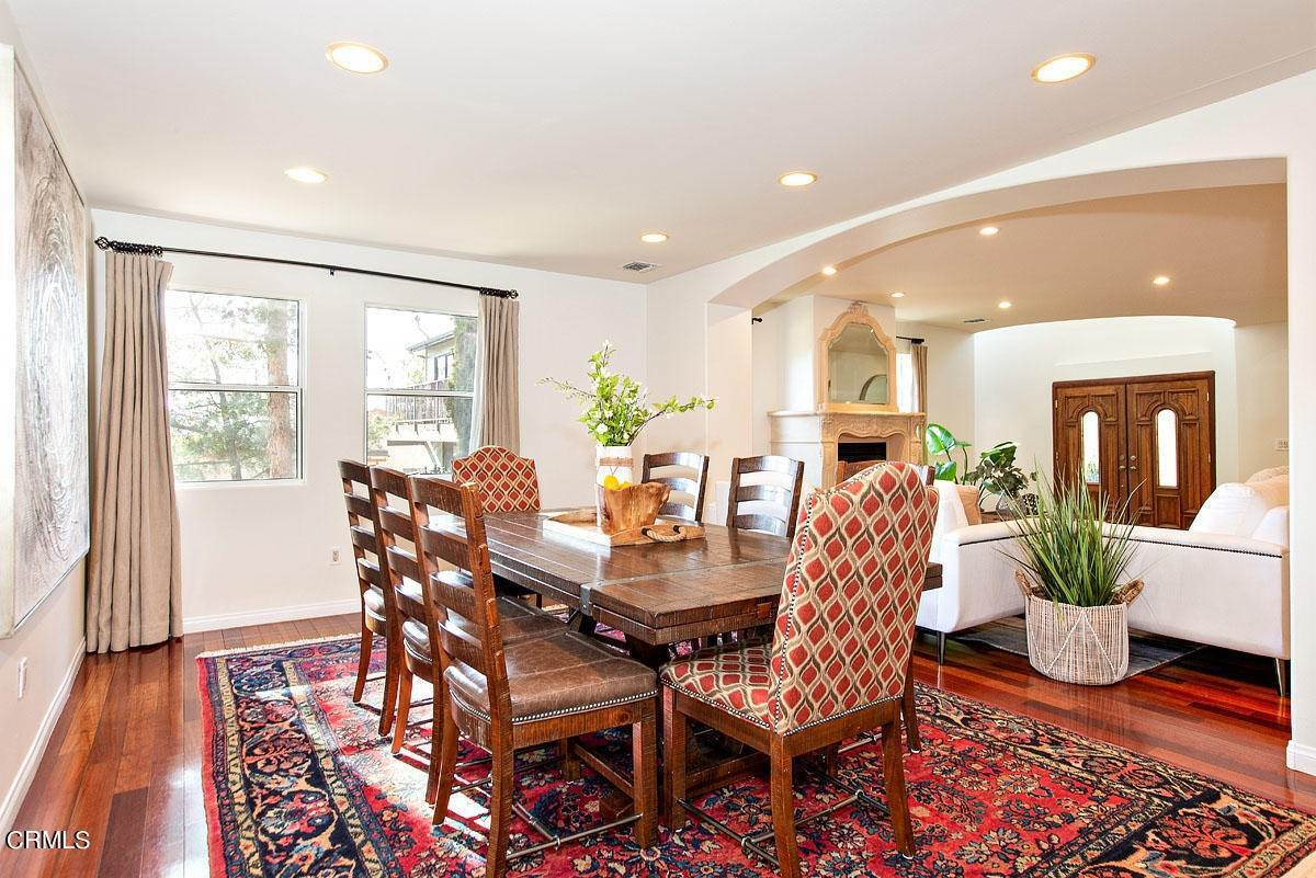 9. Single Family Homes for Sale at 610 Montecito Drive Los Angeles, California 90031 United States