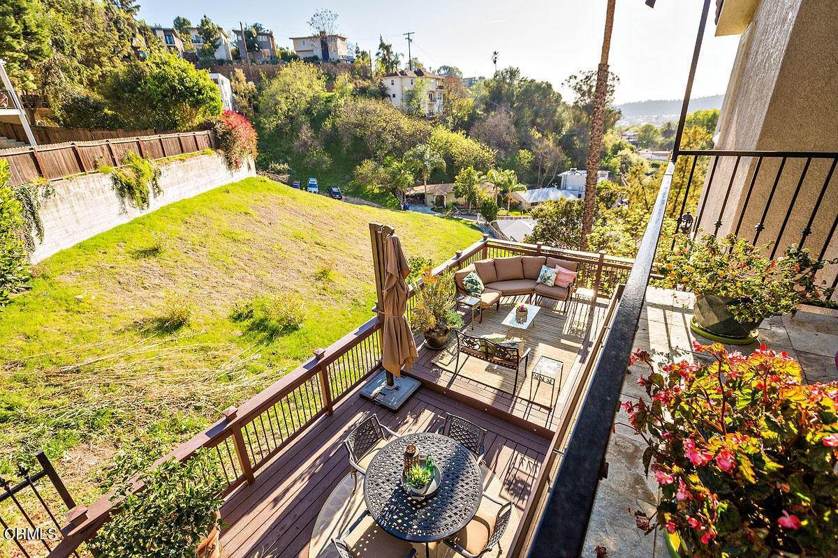 29. Single Family Homes for Sale at 610 Montecito Drive Los Angeles, California 90031 United States