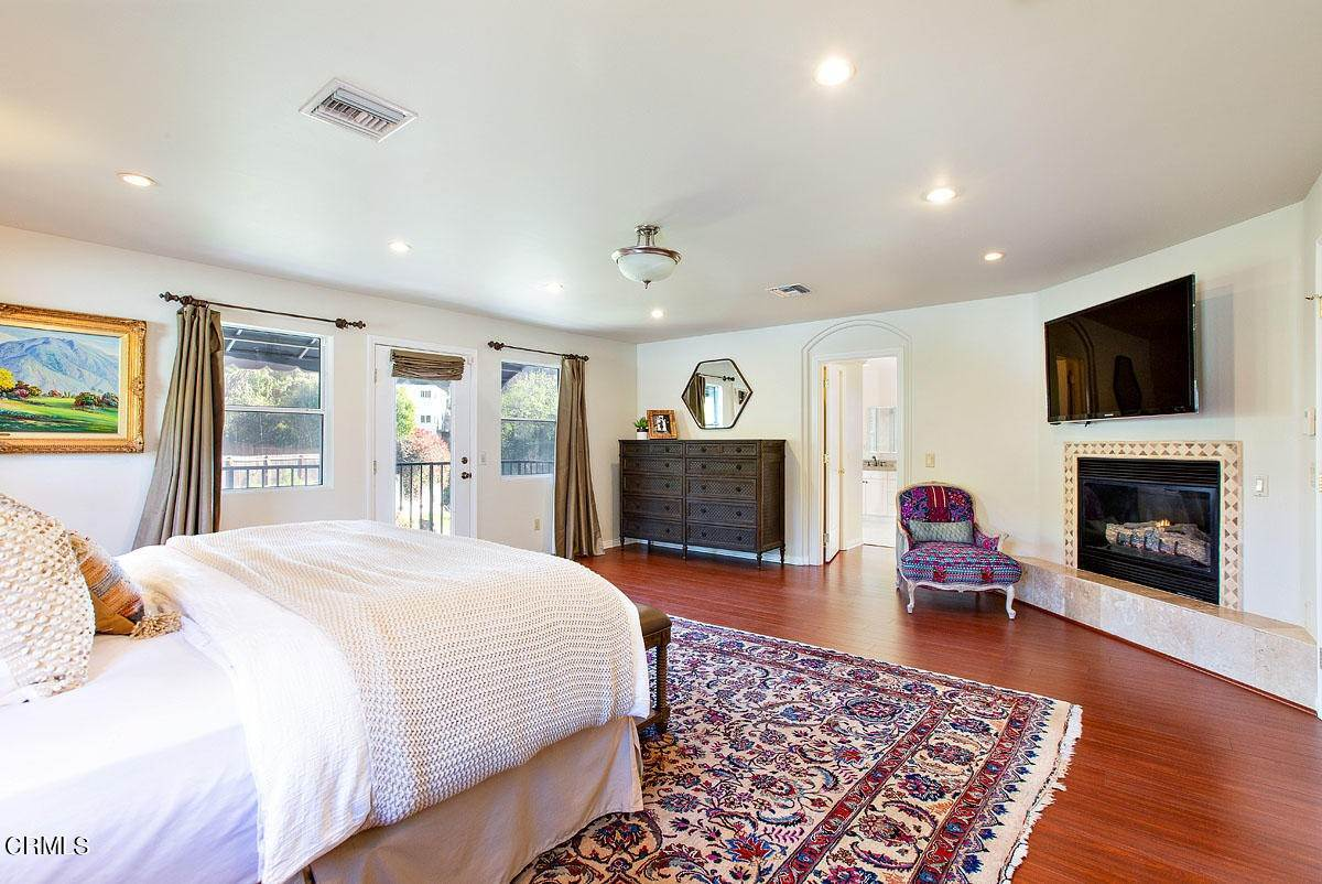 30. Single Family Homes for Sale at 610 Montecito Drive Los Angeles, California 90031 United States