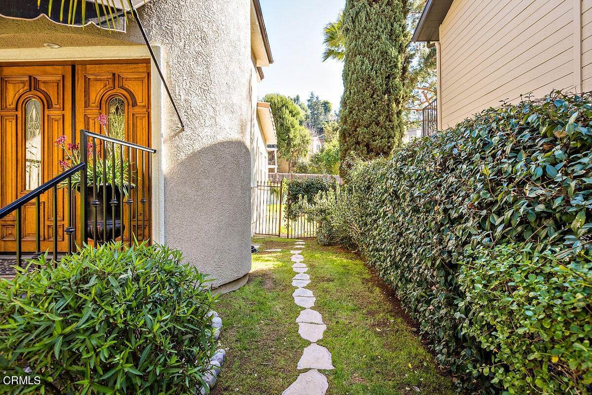 47. Single Family Homes for Sale at 610 Montecito Drive Los Angeles, California 90031 United States