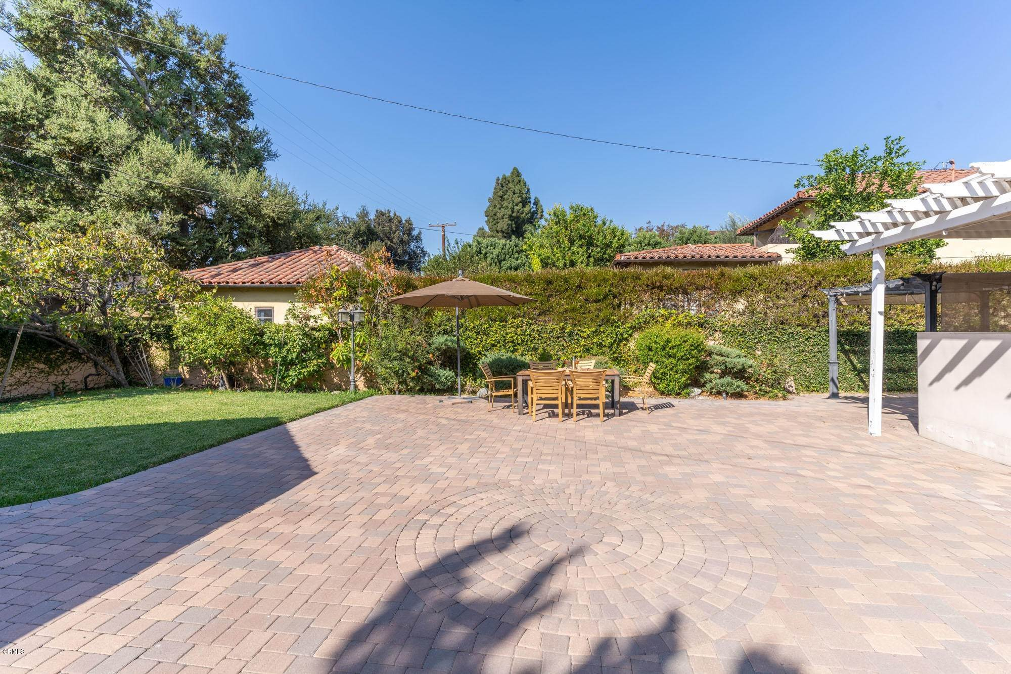 31. Single Family Homes for Sale at 2275 Ridgeway Road San Marino, California 91108 United States