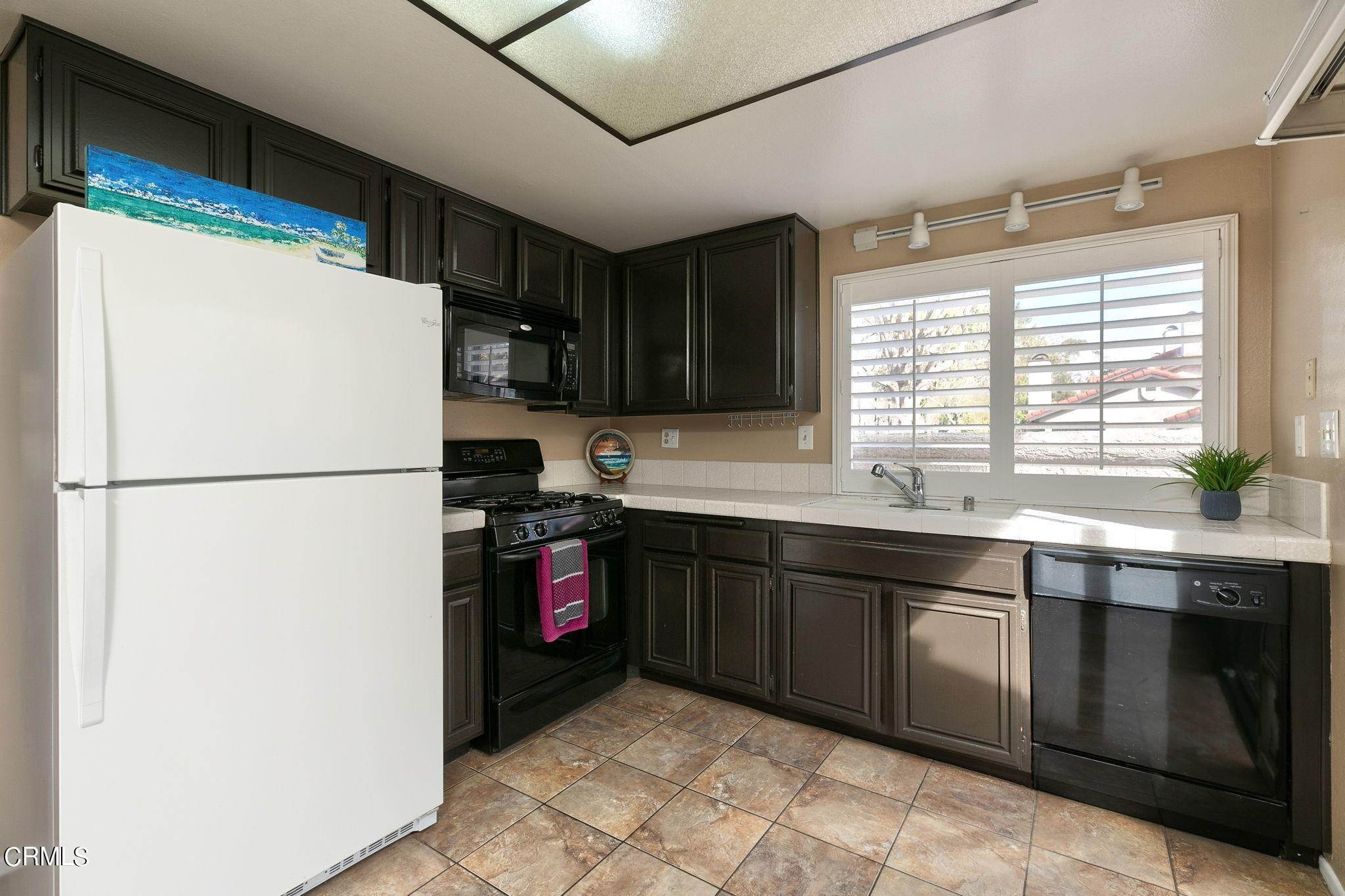 11. Condominiums for Sale at 484 Las Palomas Drive Port Hueneme, California 93041 United States