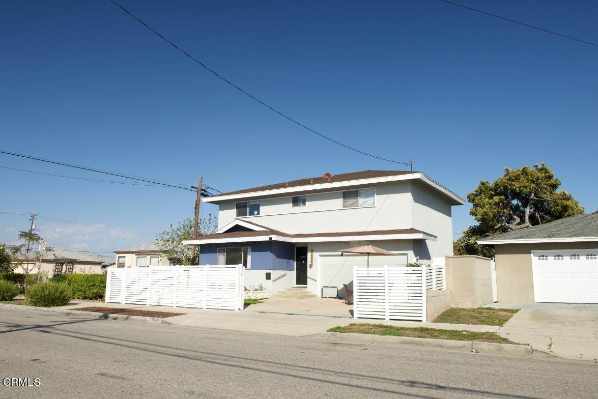 3. Single Family Homes for Sale at 13336 Washington Avenue Hawthorne, California 90250 United States