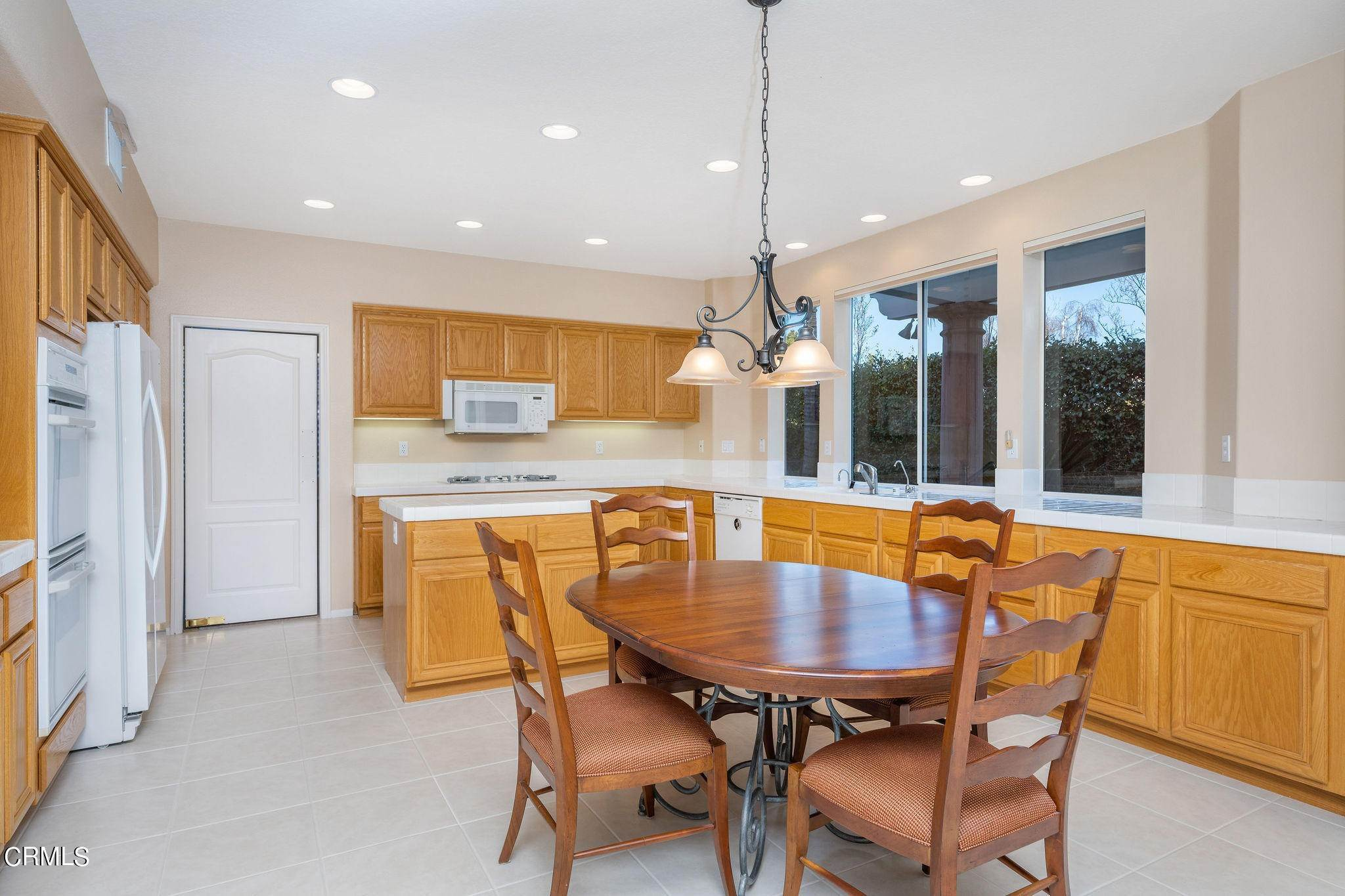 18. Single Family Homes for Sale at 1760 Crystal View Circle Newbury Park, California 91320 United States