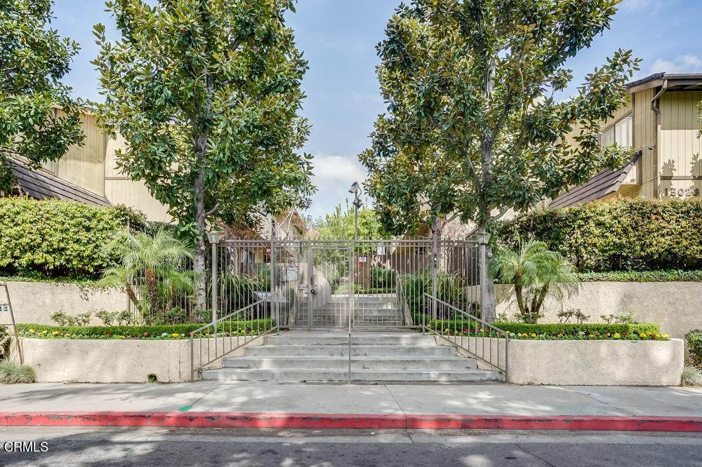 townhouses for Sale at 15021 Sherman Way #C 15021 Sherman Way Van Nuys, California 91405 United States