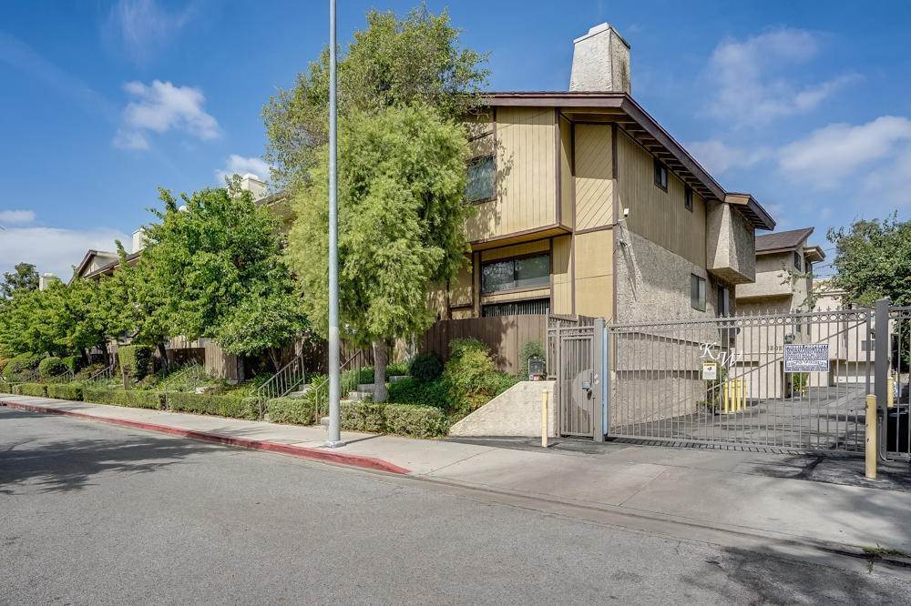 5. townhouses for Sale at 15021 Sherman Way #C 15021 Sherman Way Van Nuys, California 91405 United States