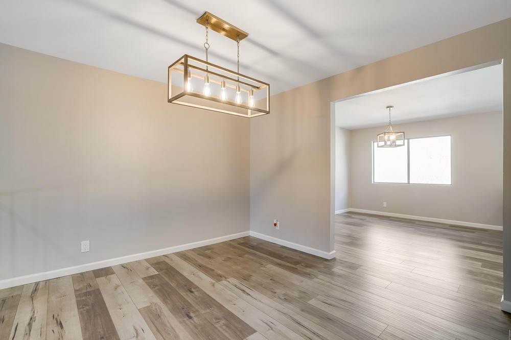 14. townhouses for Sale at 15021 Sherman Way #C 15021 Sherman Way Van Nuys, California 91405 United States