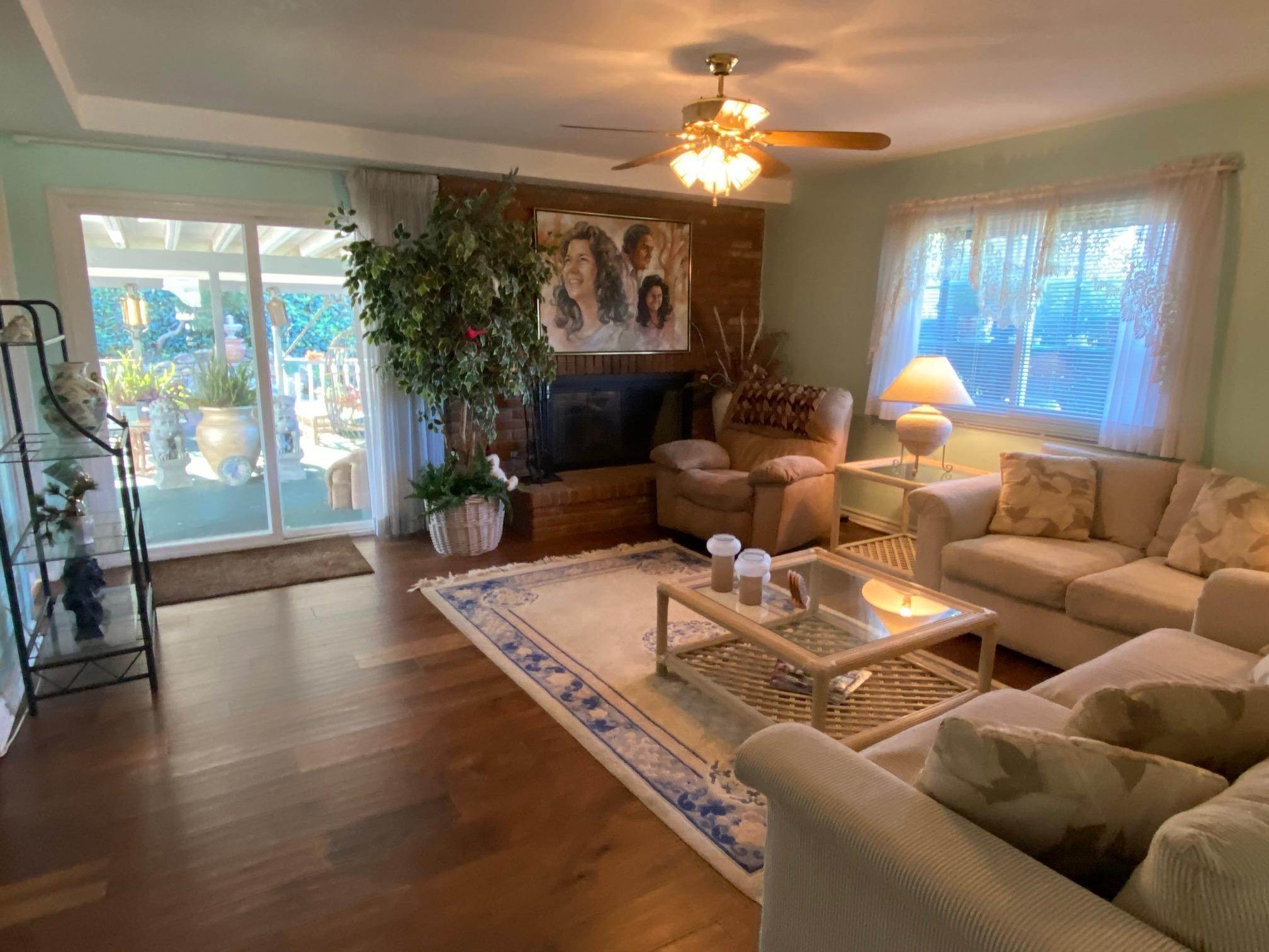 13. Single Family Homes for Sale at 1046 Garrido Court Camarillo, California 93010 United States