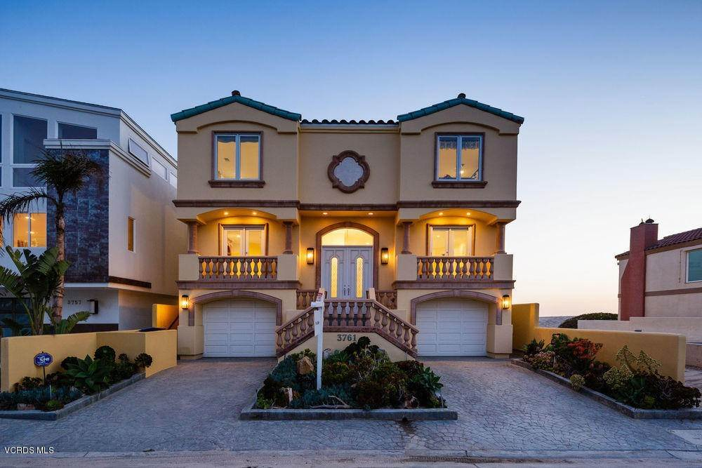 Single Family Homes for Sale at 3761 Ocean Drive Oxnard, California 93035 United States