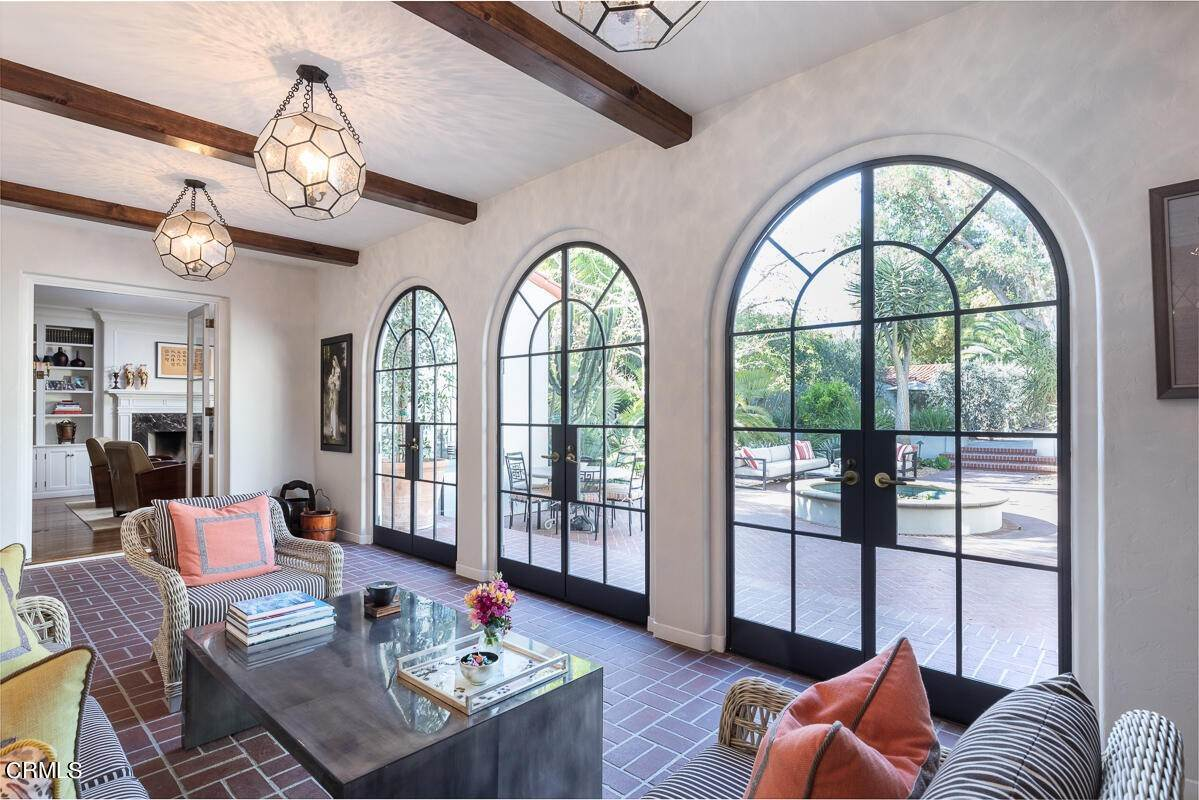 9. Single Family Homes for Sale at 2024 Ashbourne Drive South Pasadena, California 91030 United States