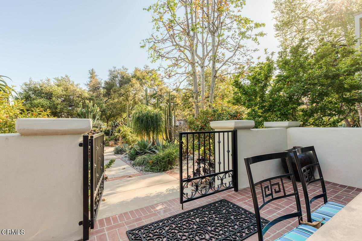 17. Single Family Homes for Sale at 2024 Ashbourne Drive South Pasadena, California 91030 United States