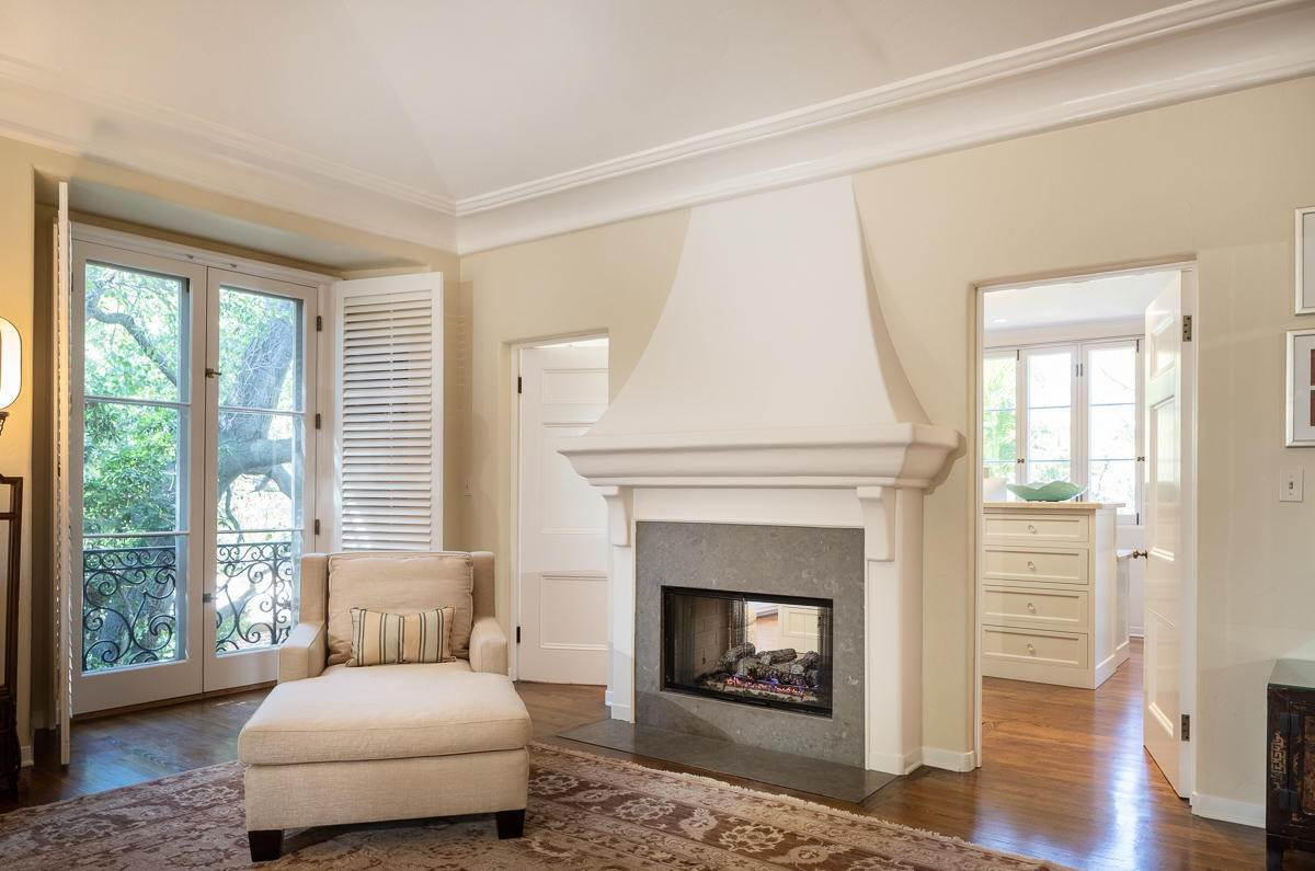 29. Single Family Homes for Sale at 2024 Ashbourne Drive South Pasadena, California 91030 United States