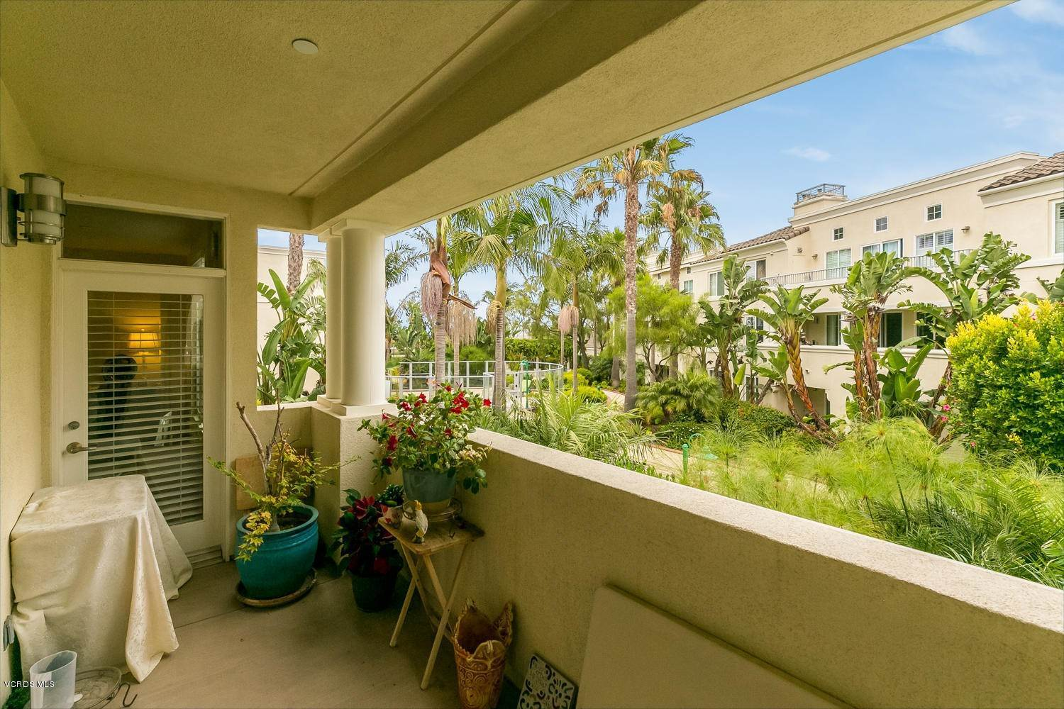 22. Condominiums for Sale at 4366 Tradewinds Drive Oxnard, California 93035 United States