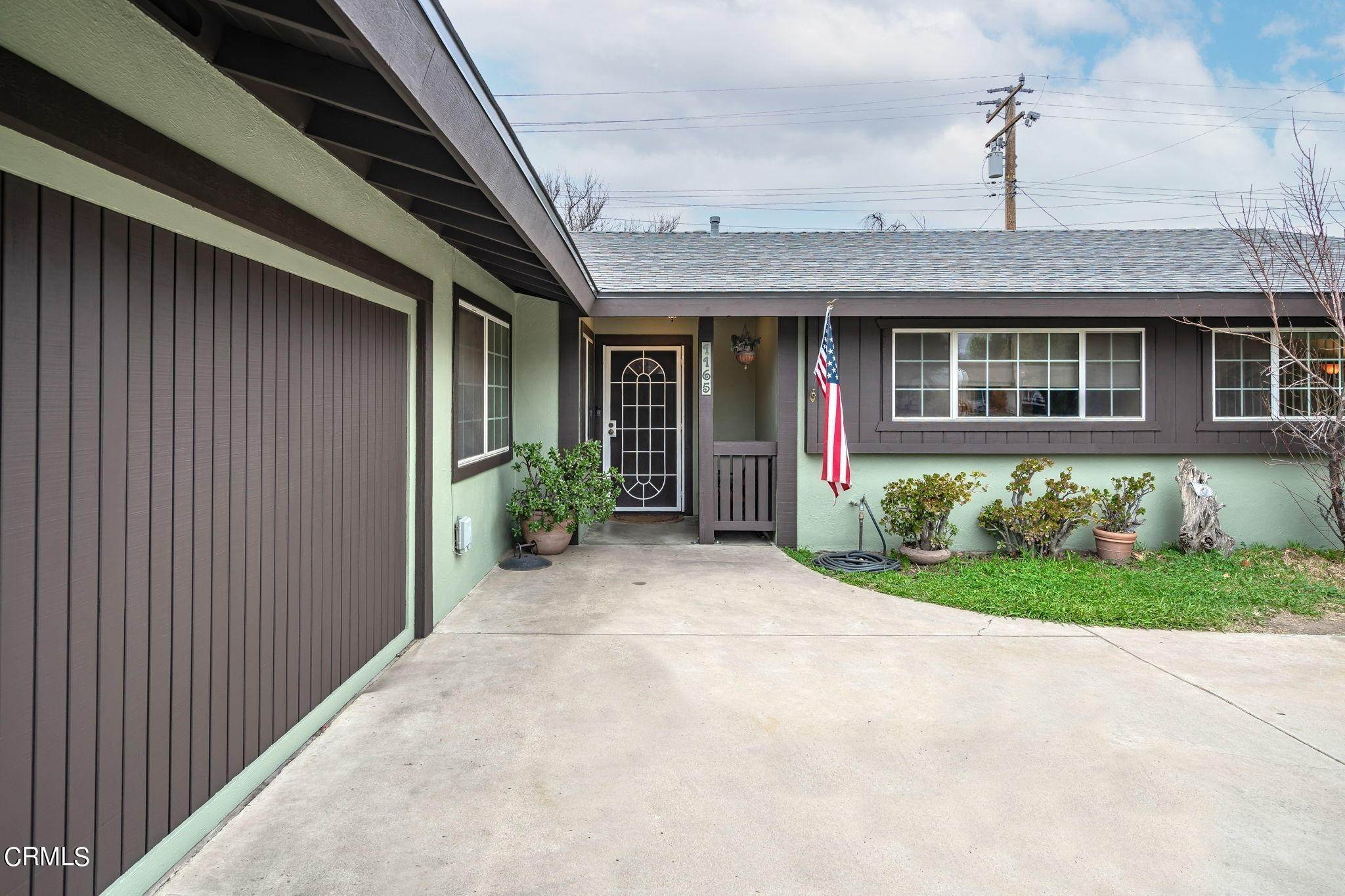 4. Single Family Homes for Sale at 1165 Roldan Avenue Simi Valley, California 93065 United States