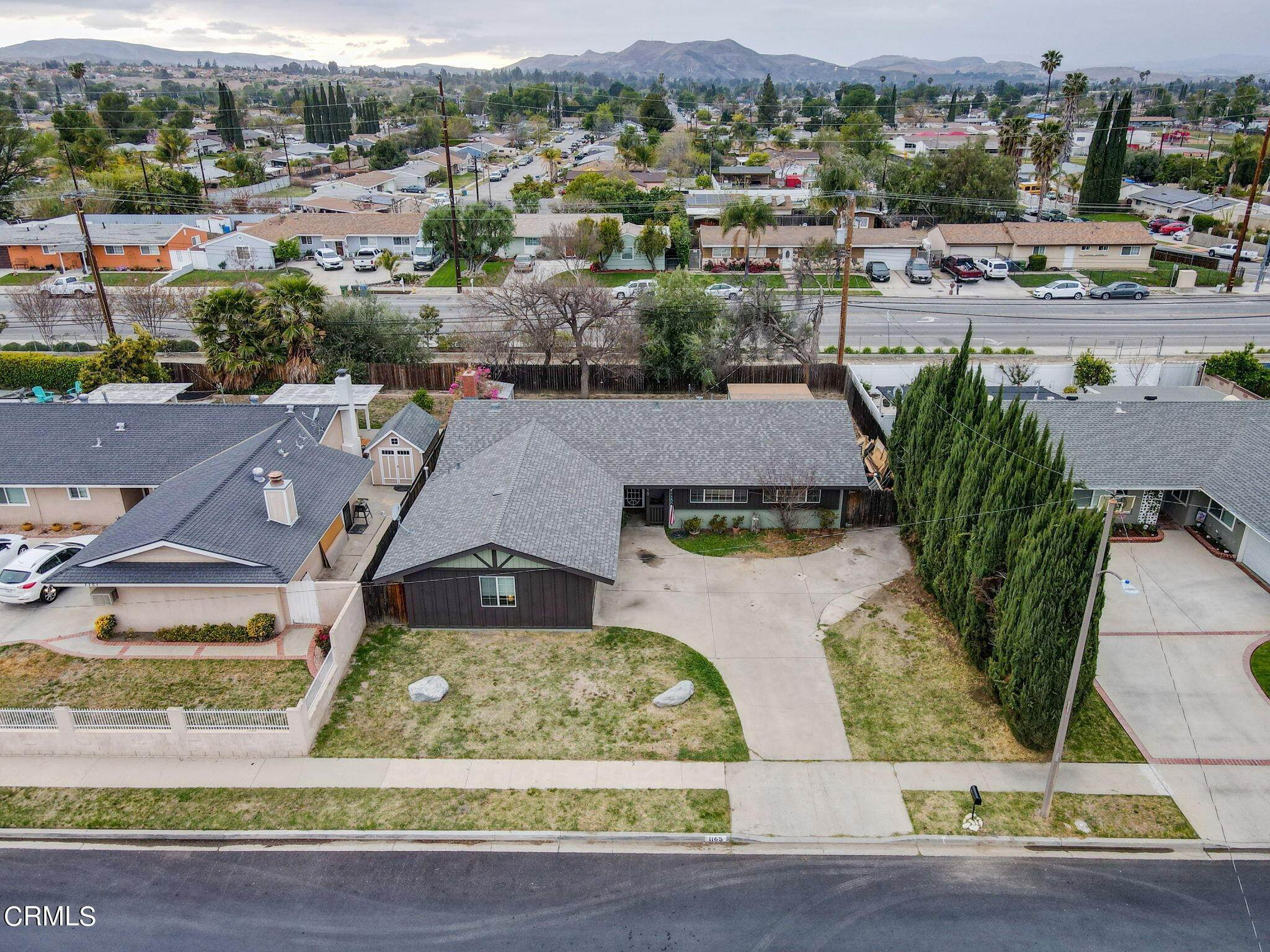 49. Single Family Homes for Sale at 1165 Roldan Avenue Simi Valley, California 93065 United States