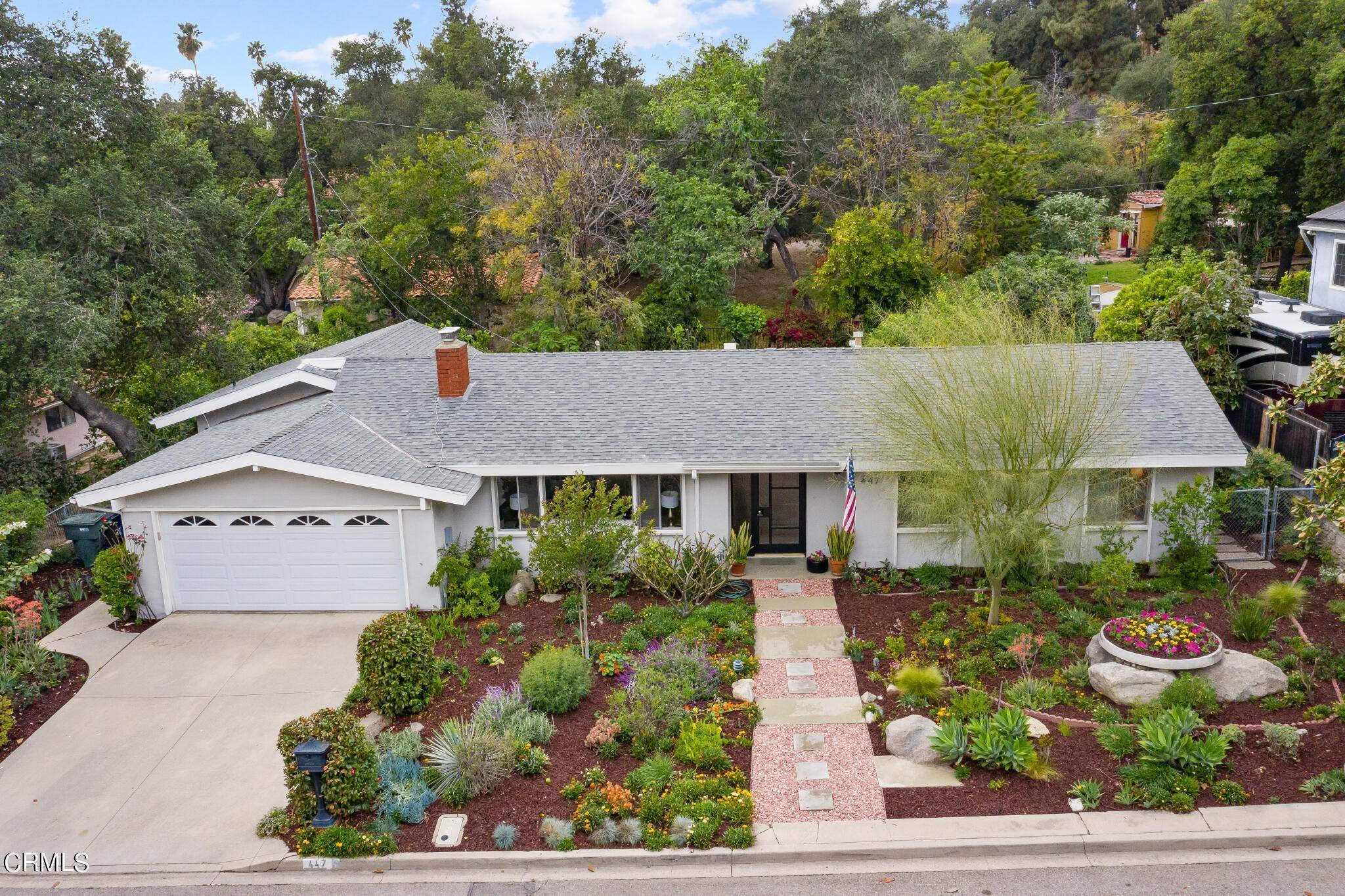 32. Single Family Homes for Sale at 447 Theresa Lane Sierra Madre, California 91024 United States