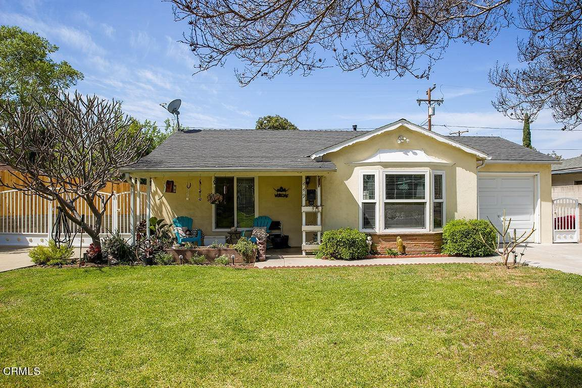 4. Single Family Homes for Sale at 449 Brightview Drive Glendora, California 91741 United States