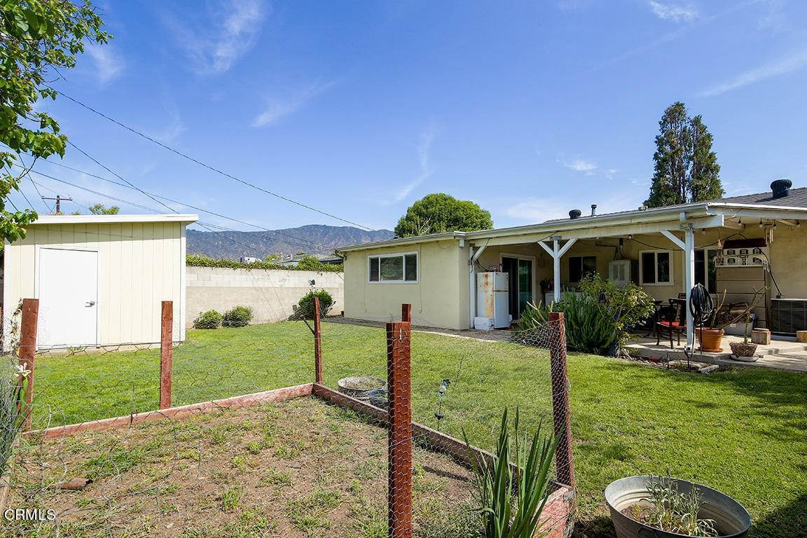 20. Single Family Homes for Sale at 449 Brightview Drive Glendora, California 91741 United States
