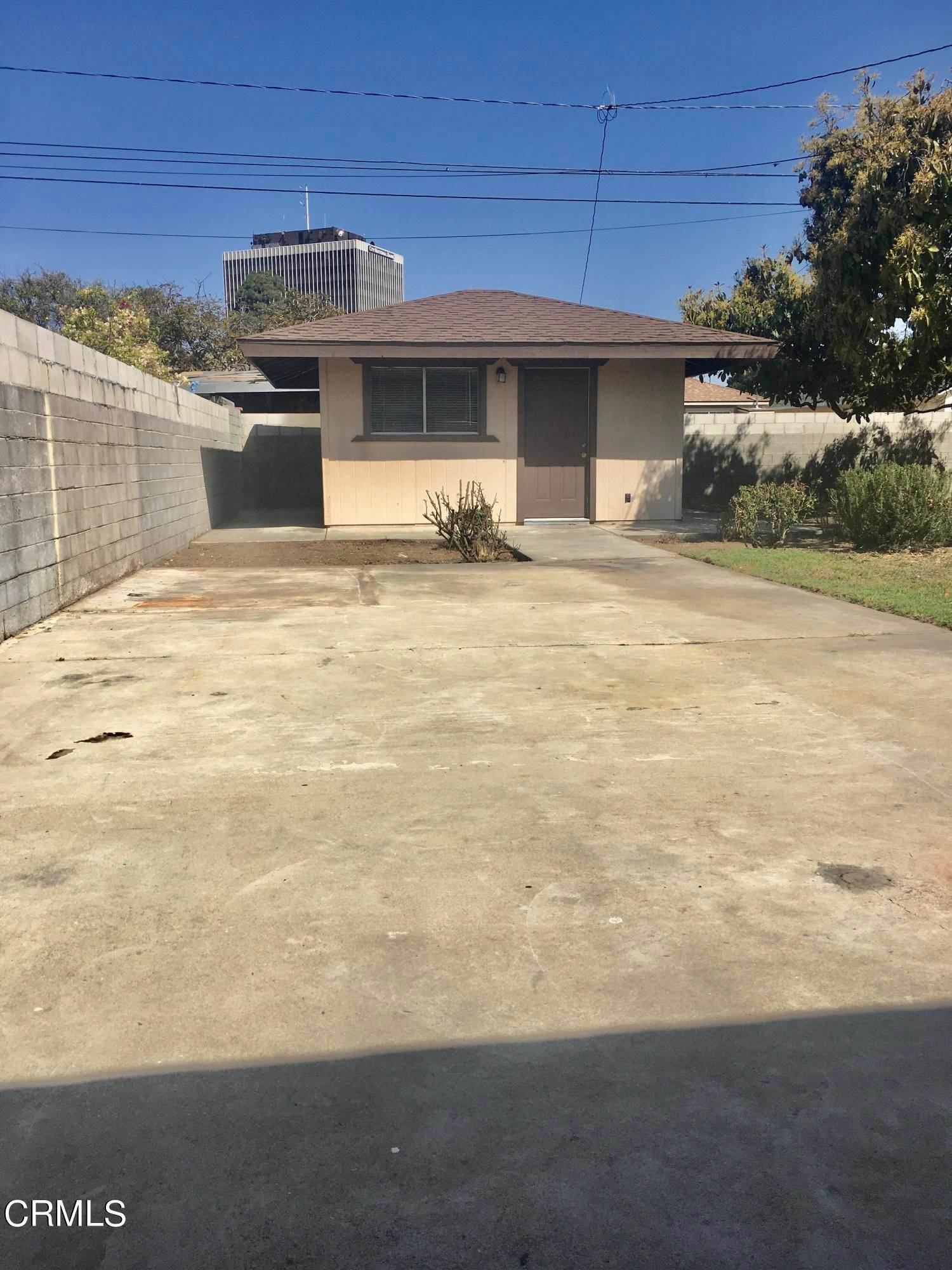 16. Single Family Homes for Sale at 359 Occidental Drive Oxnard, California 93036 United States