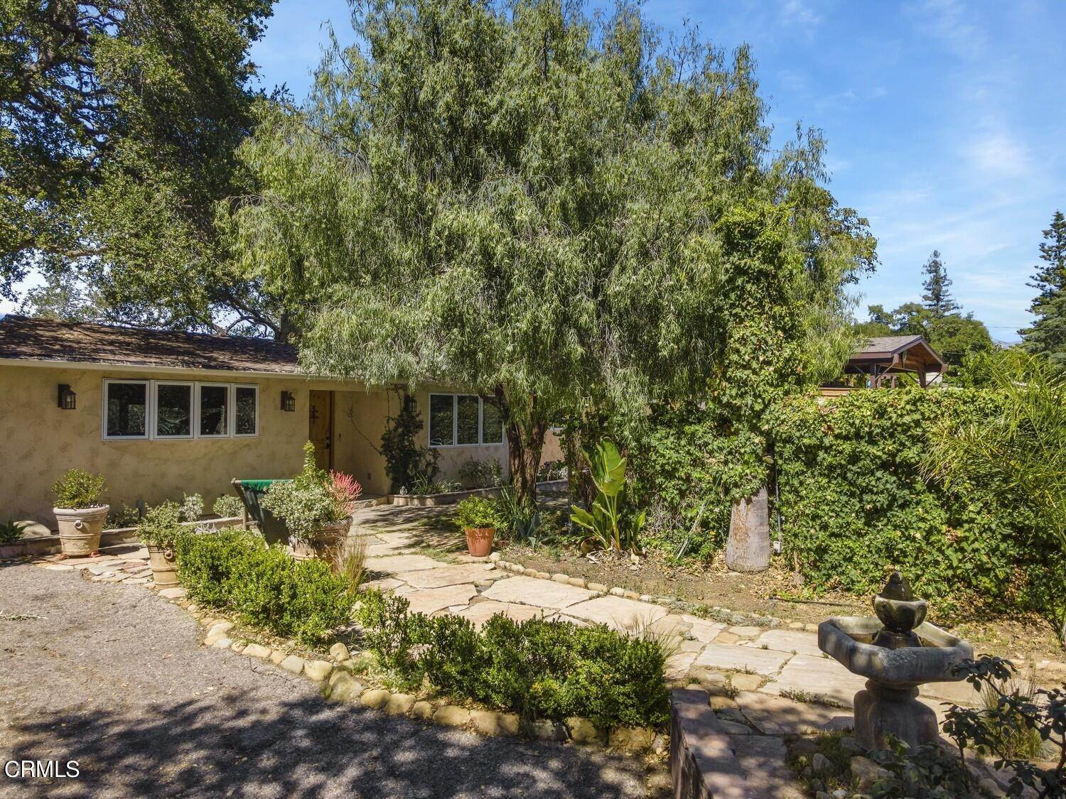 28. Single Family Homes for Sale at 170 Brandt Avenue Oak View, California 93022 United States
